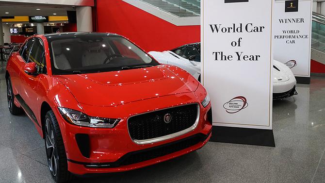 jaguar_elektrikli_otomobil_yilin_otomobili_newyork_otomobil_fuari.jpg