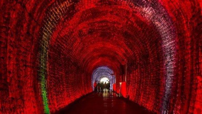 kanadanin-tarihi-brockville-demiryolu-tuneli-turizme-acildi.jpg