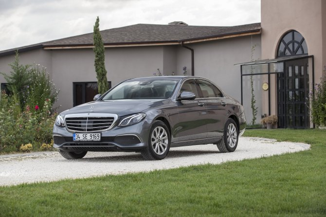 mercedes-benz-e-serisi-sedan-exclusive-(1)-001.jpg