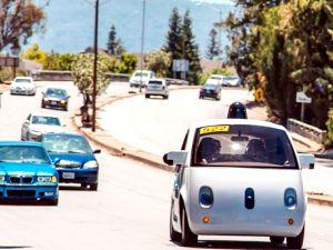 Google'ın sürücüsüz otomobili halka açık yollarda teste çıktı
