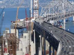 4 dakikada 42.000 Saatlik Köprü Yapımı